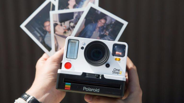Компания Polaroid Originals презентовала в Нью-Йорке новый фотоаппарат OneStep 2