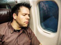 Сон в самолете опасен